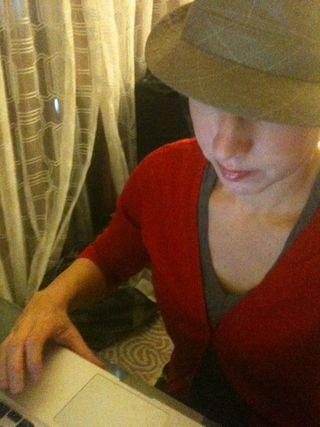 Jessica_blogging_hat1